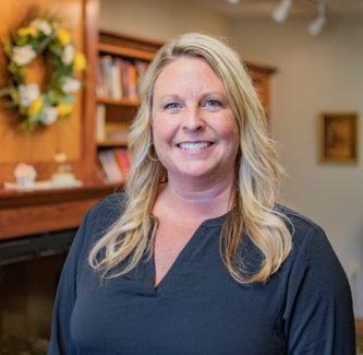 Tara Dwight : Long-Term Care Navigator